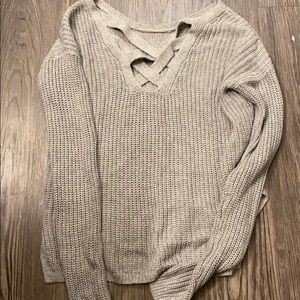 NEVER WORN GREY HOLISTER SWEATER